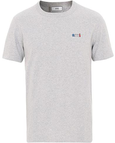 AMI Logo Tricolor Tee Grey Melange i gruppen Klær / T-Shirts / Kortermede t-shirts hos Care of Carl (15497511r)