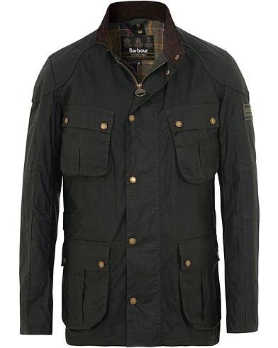 Barbour International Lightweight Lockseam Wax Jacket Sage i gruppen Klær / Jakker / Voksede jakker hos Care of Carl (15618311r)