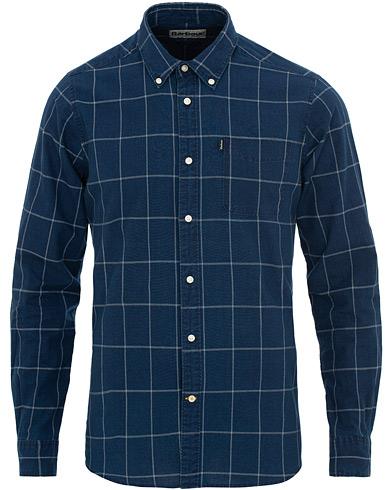 Barbour Lifestyle Tailored Fit Check Indigo 3 Shirt Mid Blue i gruppen Klær / Skjorter / Casual / Casual skjorter hos Care of Carl (15620911r)