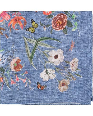 Amanda Christensen Linen Printed Flower Bugs Pocket Square Blue  i gruppen Assesoarer / Lommetørklær hos Care of Carl (15635310)