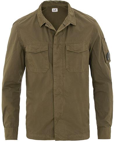 C.P. Company Old Dyed Gabardine Shirt Jacket Beech i gruppen Tøj / Jakker / Tynde jakker hos Care of Carl (15652311r)