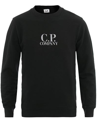 C.P. Company Logo Crew Neck Sweatshirt Black i gruppen Klær / Gensere / Sweatshirts hos Care of Carl (15652611r)