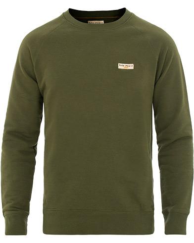 Nudie Jeans Samuel Crew Neck Sweatshirt Lawn Green i gruppen Klær / Gensere / Sweatshirts hos Care of Carl (15680311r)