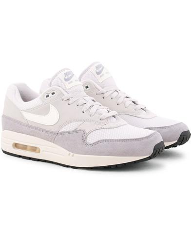 Nike Air Max 1 Sneaker Vast Grey i gruppen Sko / Sneakers / Running sneakers hos Care of Carl (15698111r)