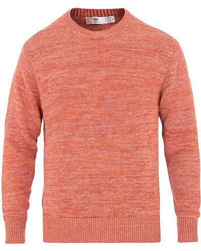 Inis Meáin Donegal Crew Neck Sweater Red Melange i gruppen Klær / Gensere / Strikkede gensere hos Care of Carl (15731411r)