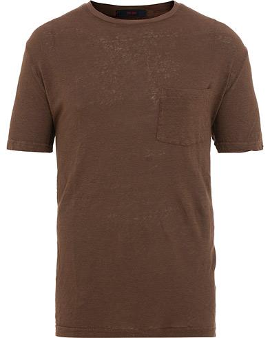 The Gigi Rodi Exclusive Linen T-Shirt Brown i gruppen Kläder / T-Shirts / Kortärmade t-shirts hos Care of Carl (15737311r)