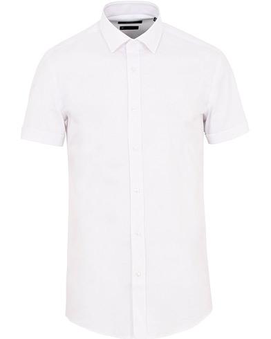 BOSS Jats Short Sleeve Shirt White i gruppen Kläder / Skjortor / Casual / Kortärmade skjortor hos Care of Carl (15804711r)