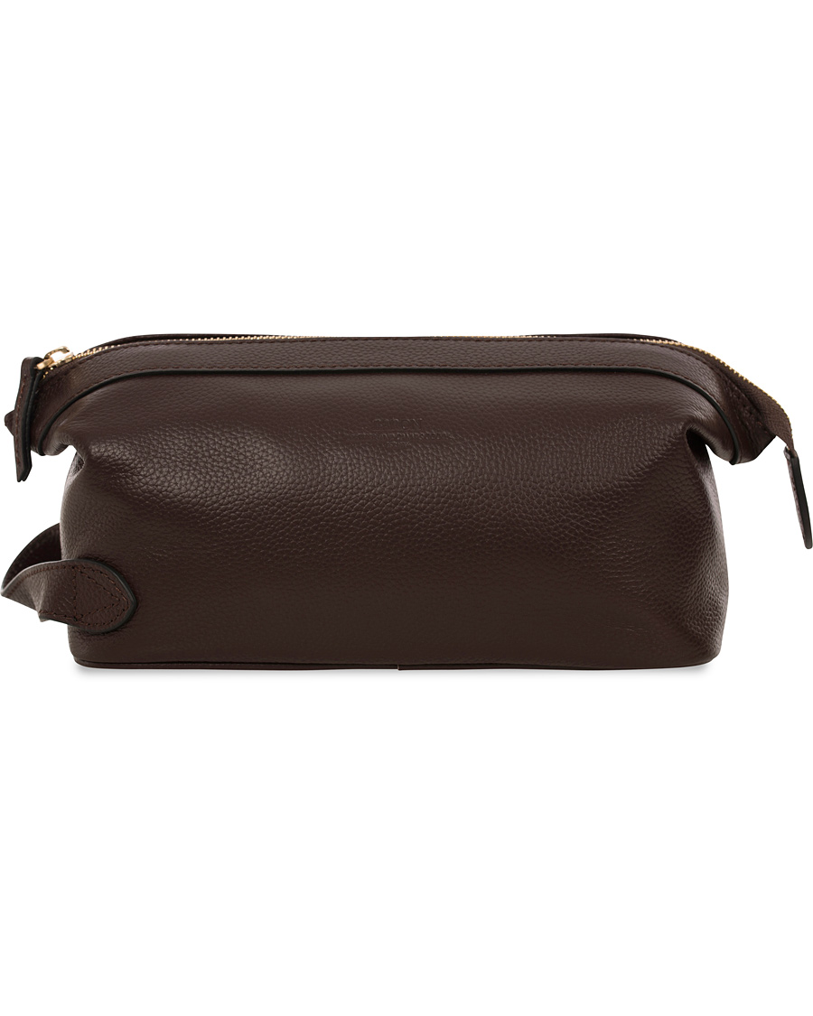 Baron Väskor Stockholm : Baron toilet bag brown leather hos careofcarl